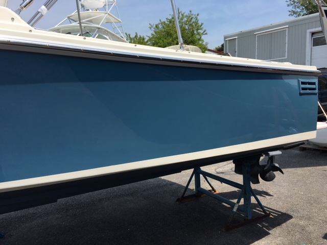 Port side transom of 24' Limestone boat