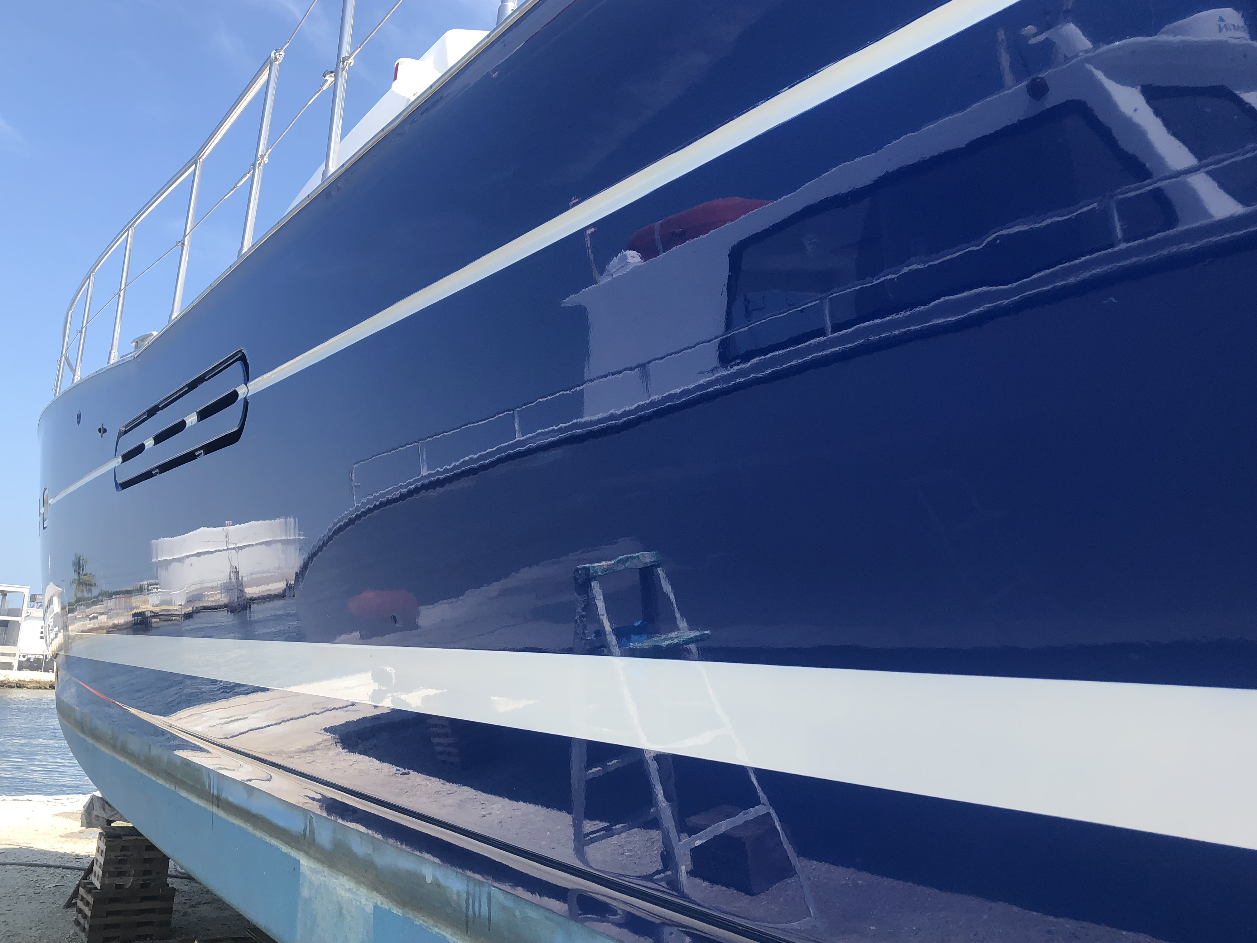 Dark blue color showing on the hull after Glidecoat ceramic coating application